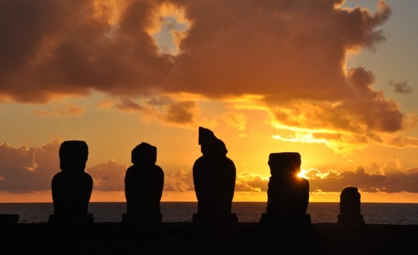 Sunset at Ahu Vai Uri, Tahai, Easter Island