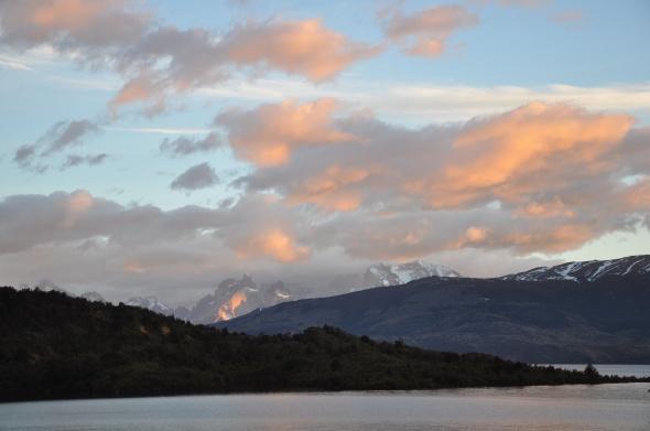 Sunrise over Lago Toro