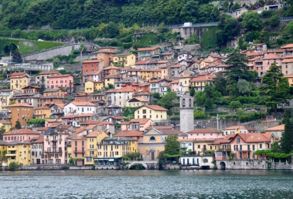 A boat trip gives you the opportunity to see lots of Como's villages