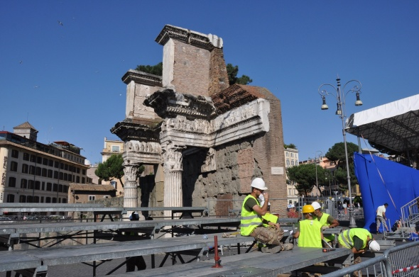 In preparation for Italy's Festa della Repubblica on 2nd June, when a parade will pass, temporary grandstands are being constructed along the streets alongside the Roman Forum.