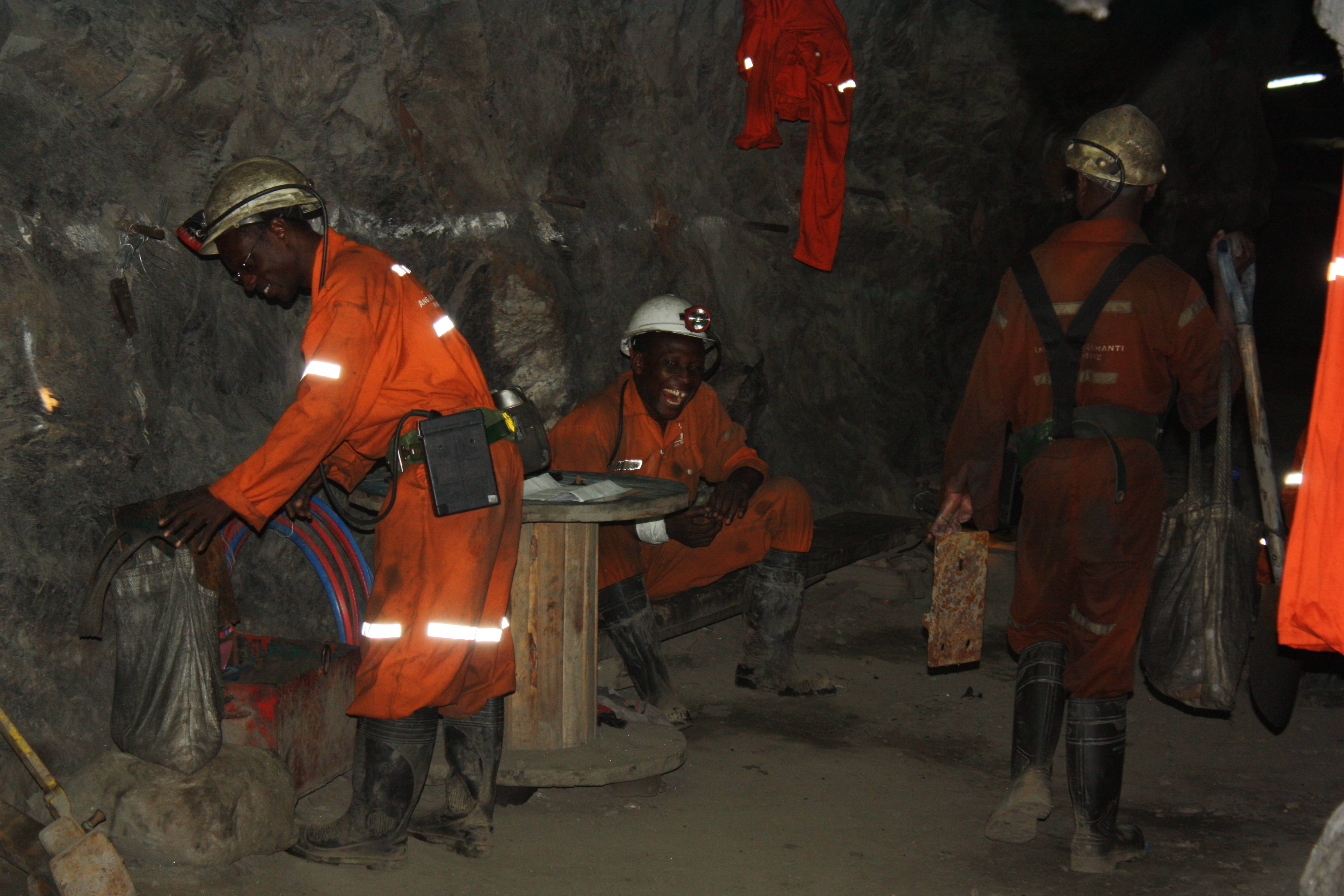 6-miners-at-shift-change