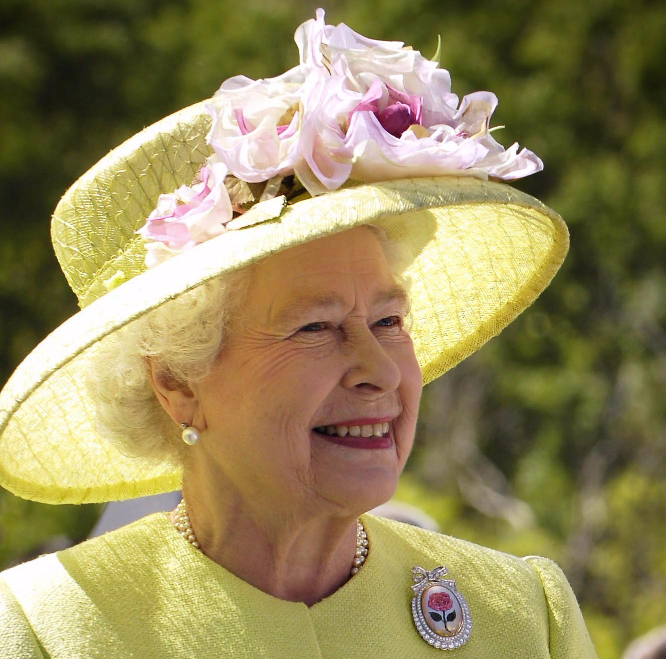 queen-63006-e1511991467541.jpg