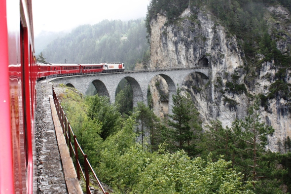 Regio train crossing Landwasser Viaduct